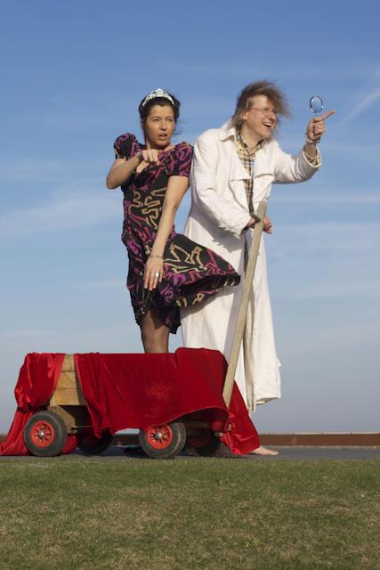 Prinzessin Zicki Micki (Tanja Hellwig) und Professor Grigri (Michael Kallweitt). Foto: Sandra Di Vita